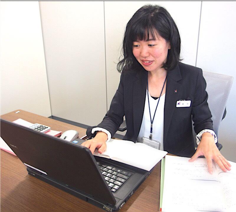 関西アーバン銀行の女性社員